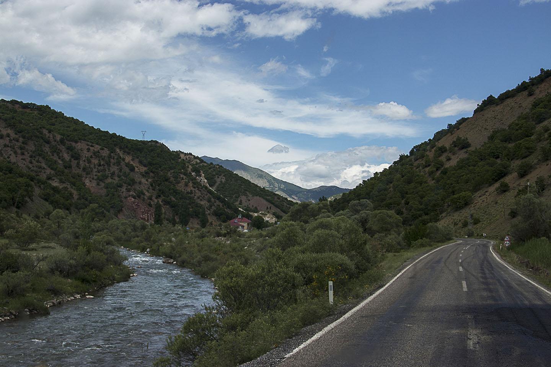 Tunceli - Elazığ yolu üzerinde