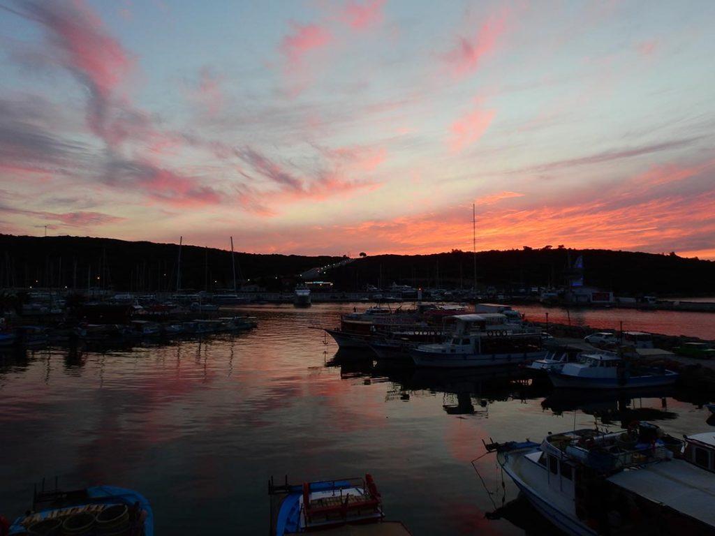 Teos Marina'da Gün Batımı