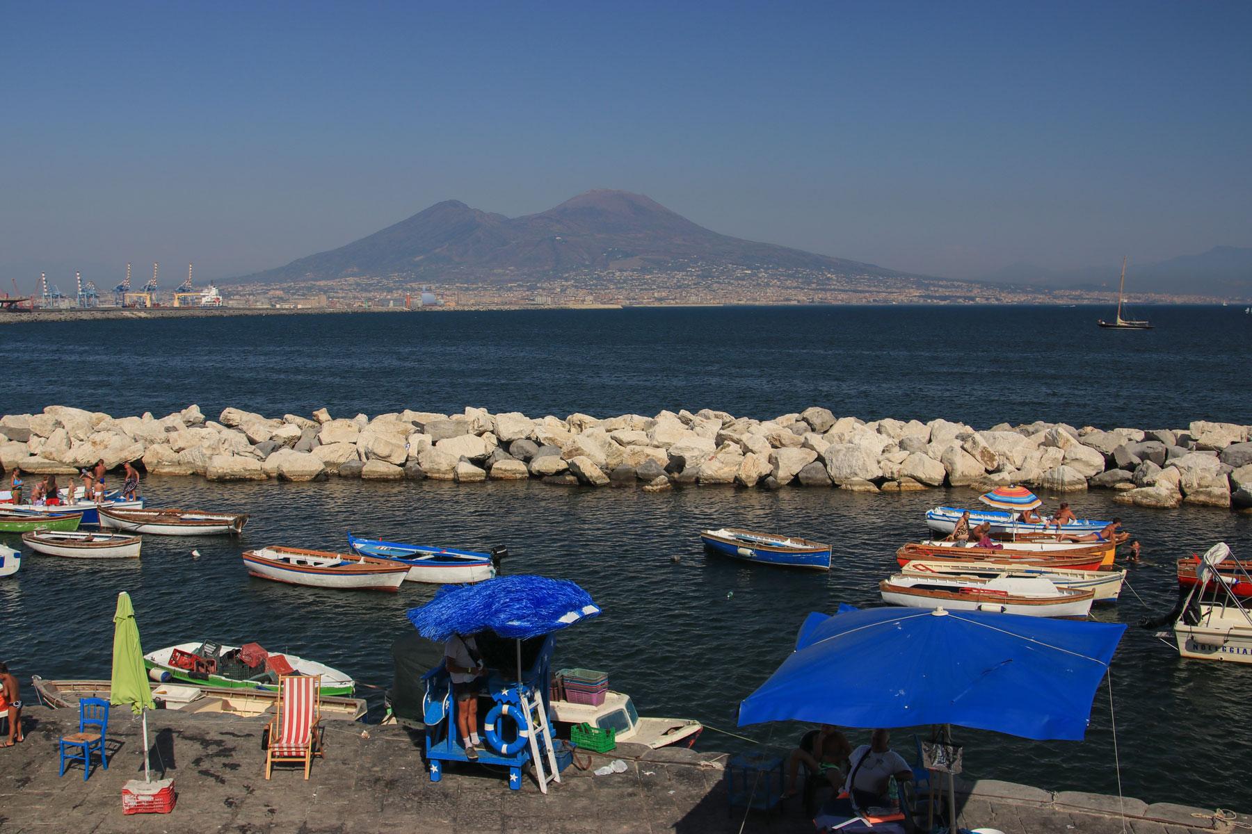 www.cekergezer.com ÇekerGezeR Hakan Aydın Napoli, Italy - İtalya