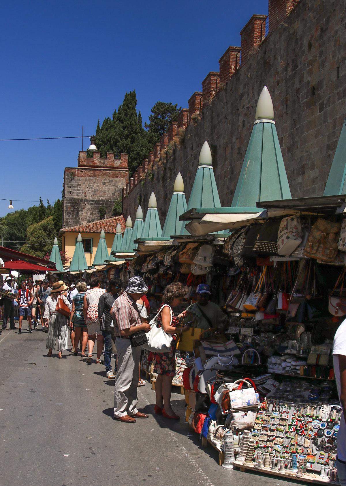 www.cekergezer.com ÇekerGezeR Hakan Aydın Mega Italya Lucca