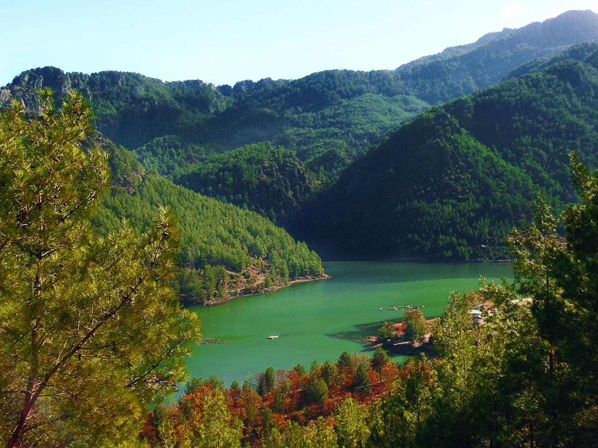 Uçansu Şelalesi yolu www.cekergezer.com ÇekerGezeR Hakan Aydın Serik, Antalya - Turkey