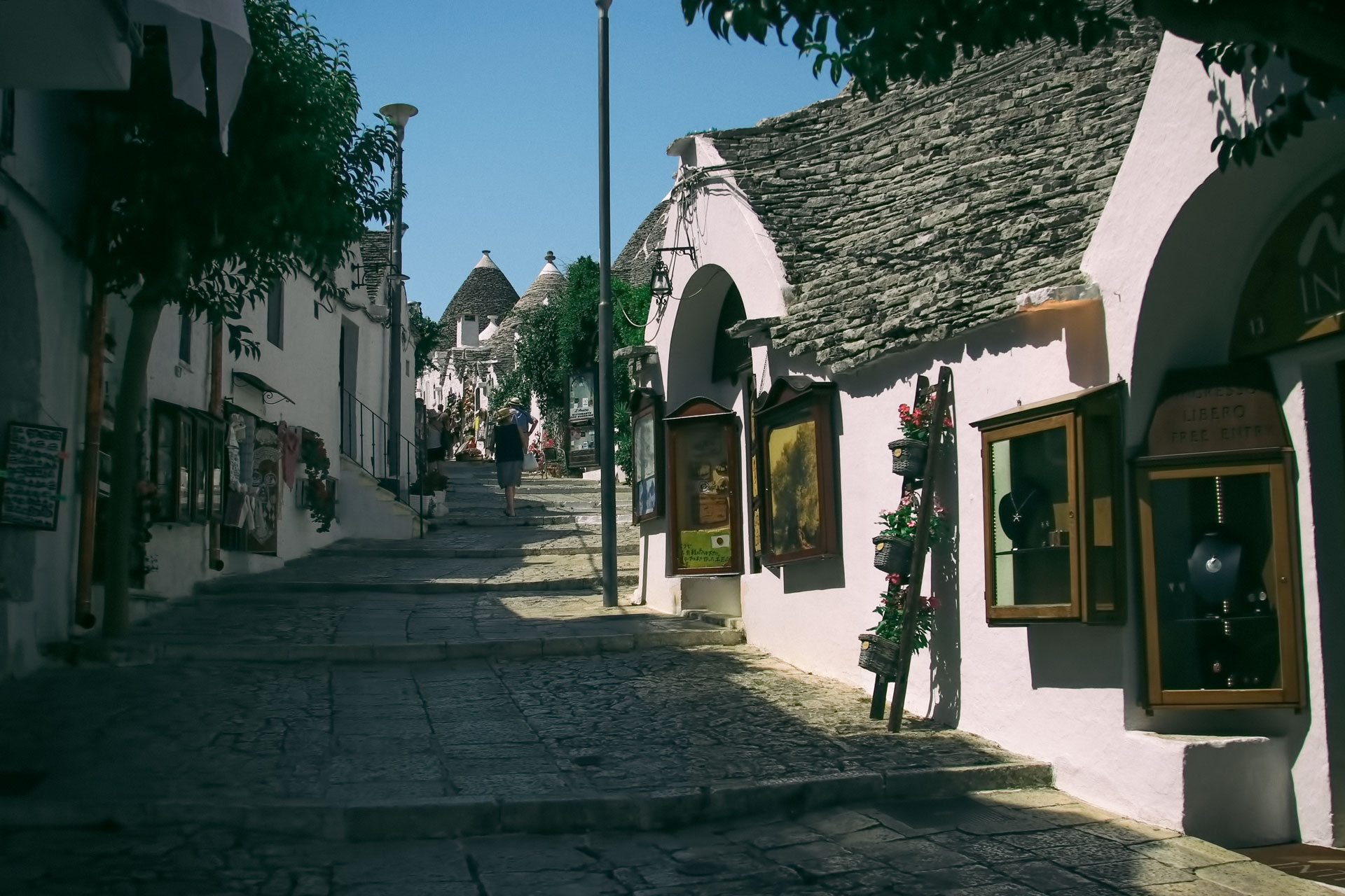 Alberobello Fotoğrafları Italya Gezilecek Yerler Çekergezer Hakan Aydın Gezgin Fotoğrafçı www.hakanaydın.com.tr www.cekergezer.com