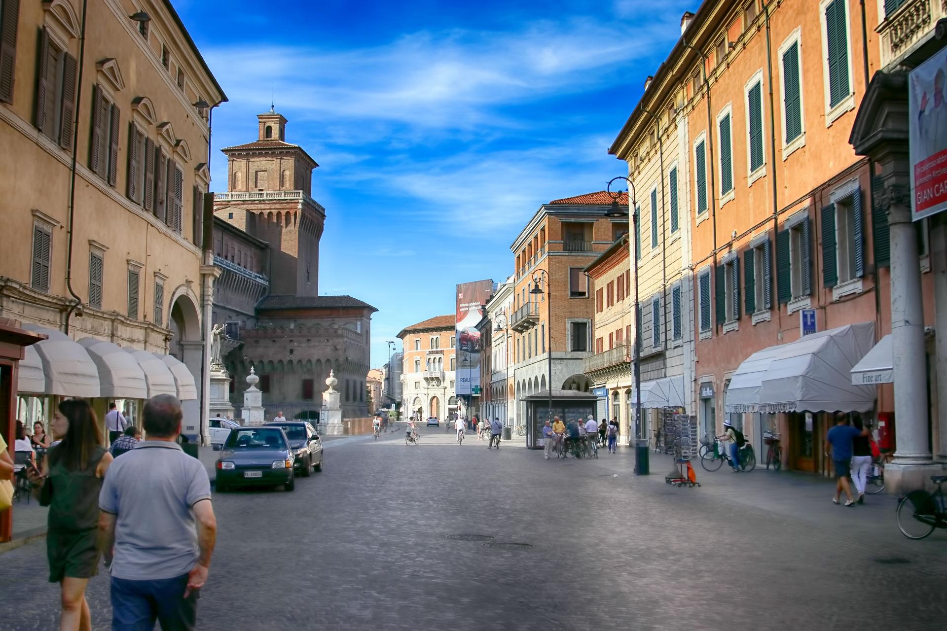 Ferrara Fotoğrafları Italya Gezilecek Yerler Çekergezer Hakan Aydın Gezgin Fotoğrafçı www.hakanaydın.com.tr www.cekergezer.com