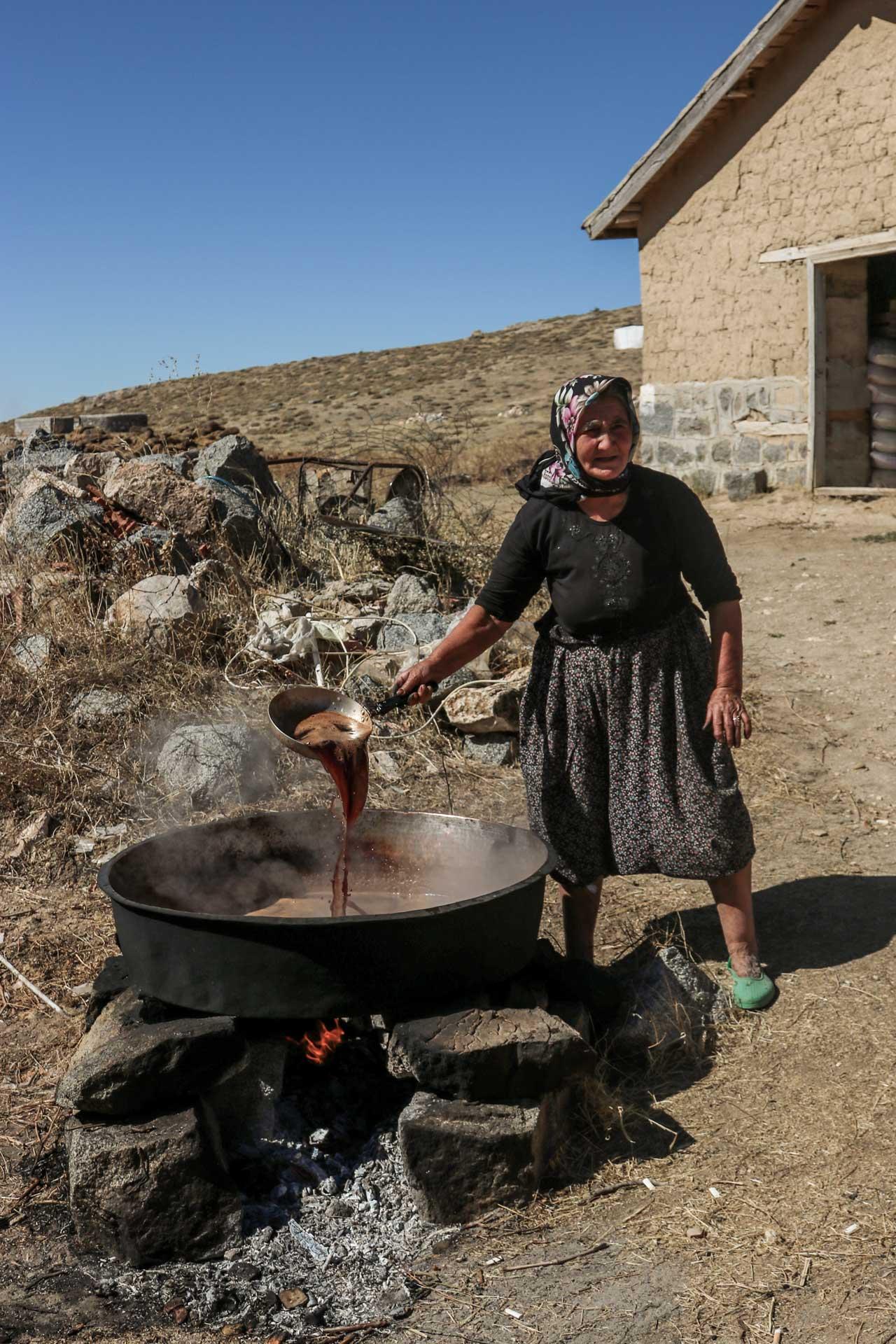 Kırşehir Kaman Fotoğrafları Pekmezci Teyze Çekergezer Hakan Aydın Fotoğrafları Gezgin Fotoğrafçı www.cekergezer.com
