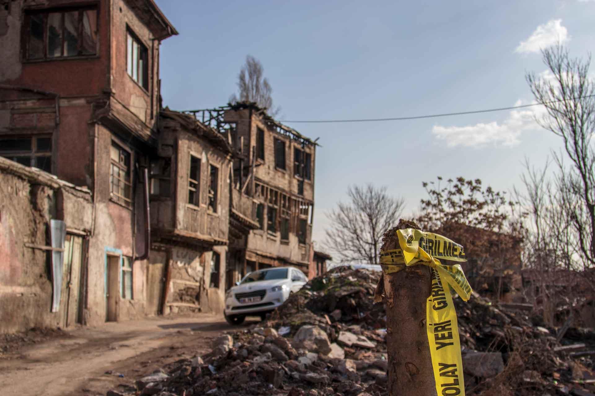 Olay Yeri Girilmez Ankara Fotoğrafları Ankara Sokakları Ankara Resimler Gezgin Fotoğrafçı Çekergezer Hakan Aydın