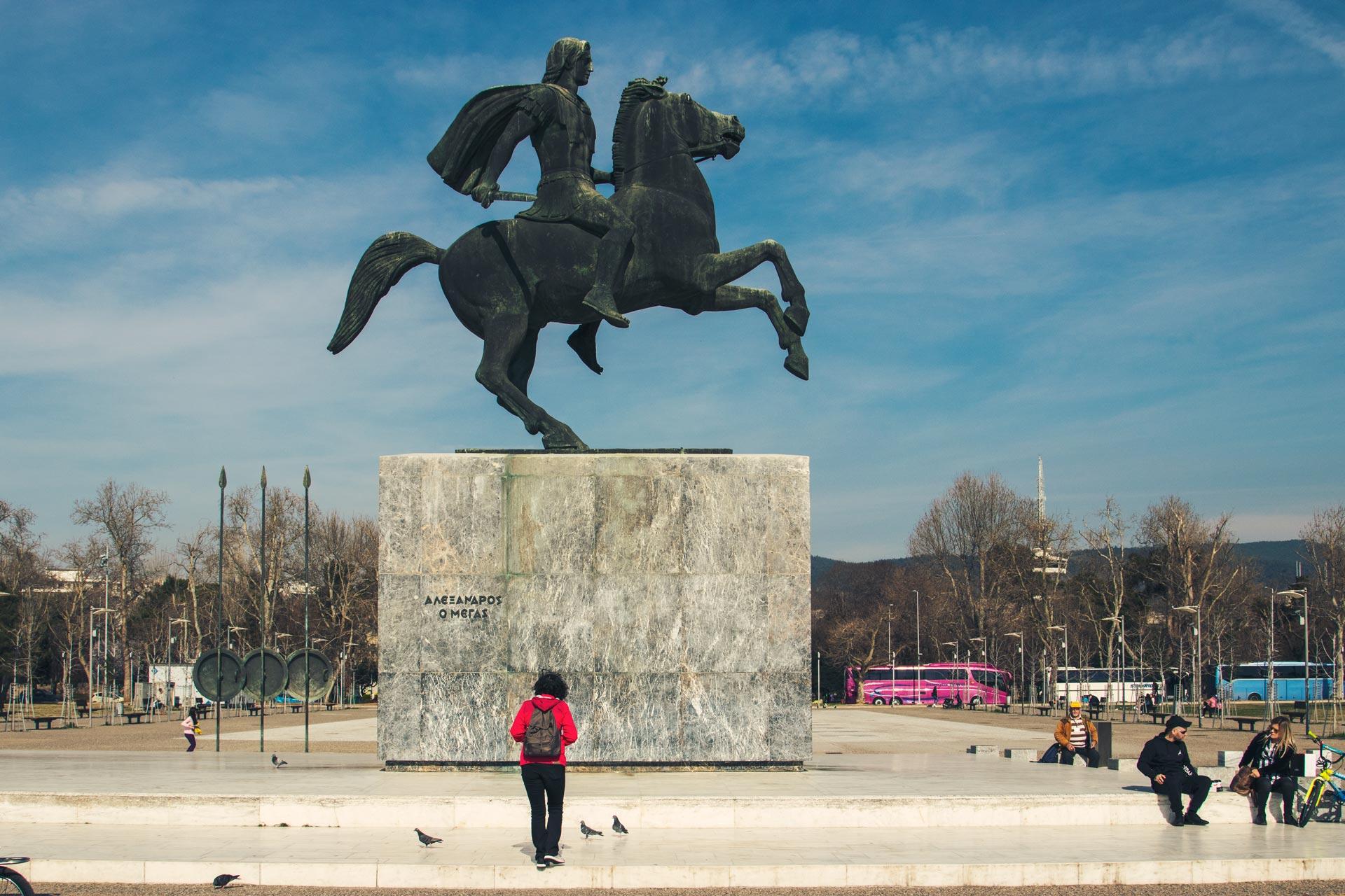 Büyük İskender heykeli Yunanistan Gezi Rehberi Selanik Gezilecek Yerler Çekergezer Hakan Aydın Fotoğrafları
