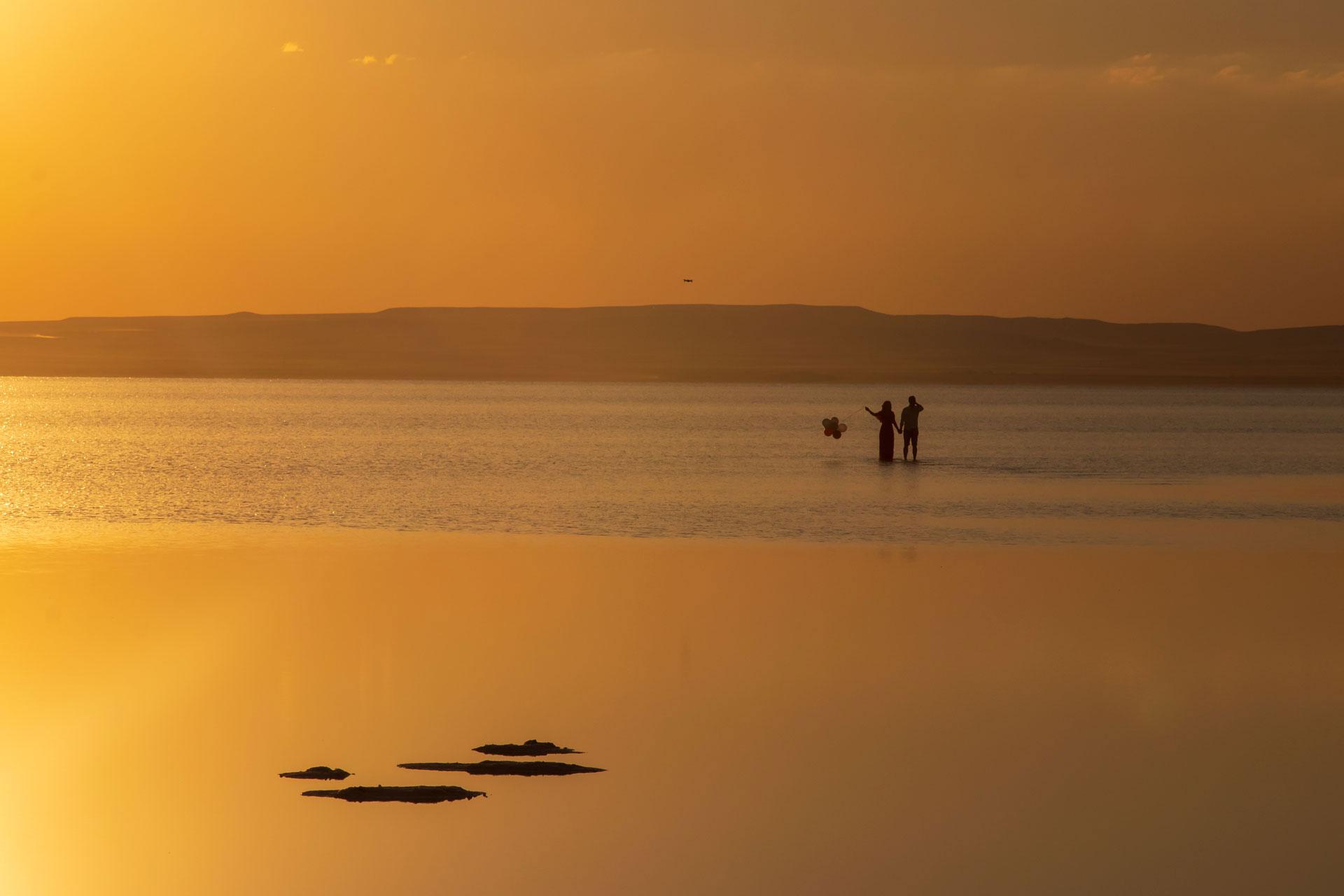Tuz Gölü Fotoğrafları Tuz gölü resimleri Sunset Gün batımı çiftler ve balon çekimleri Çekergezer Hakan Aydın Fotoğrafları Tuz Gölü görselleri