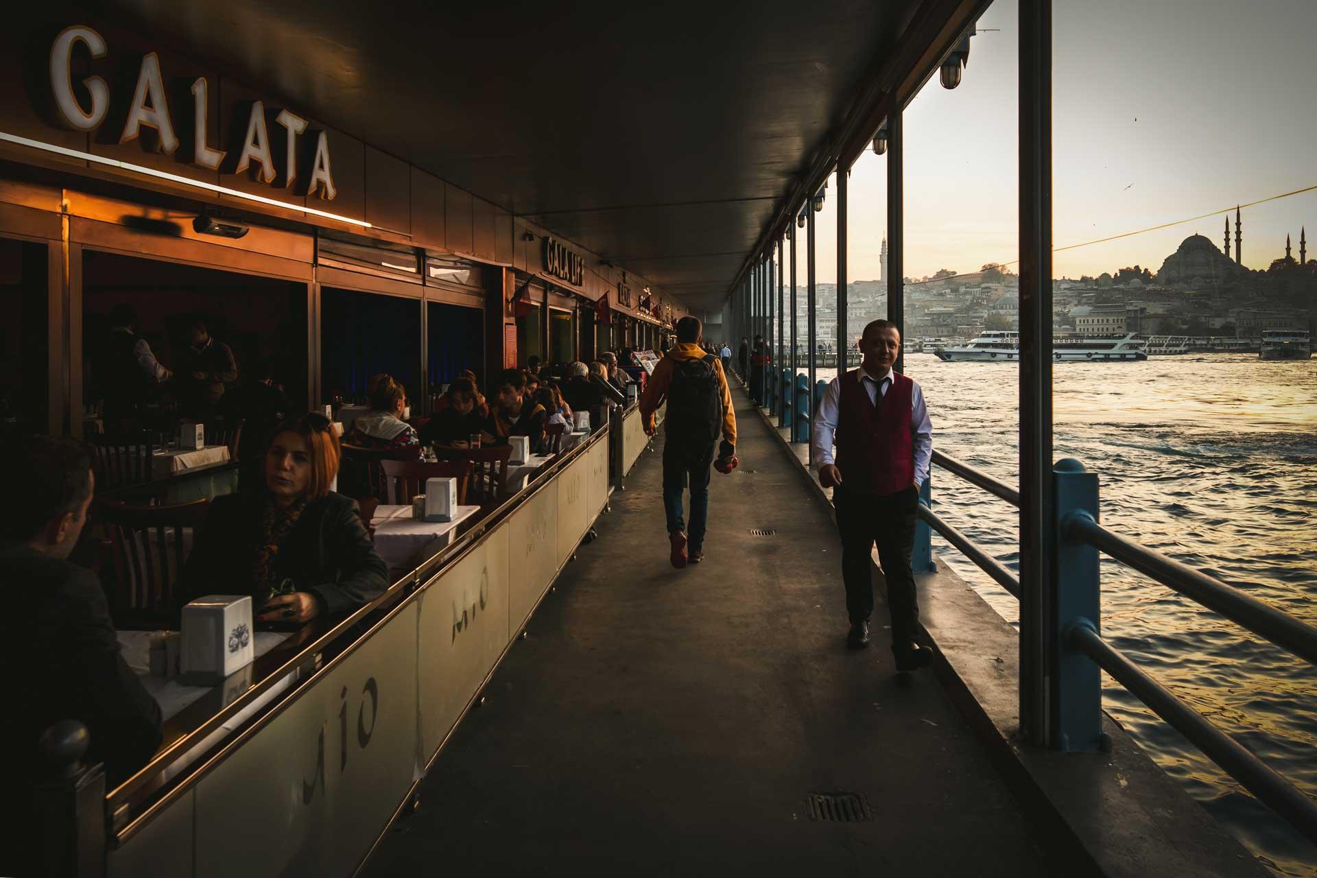 İstanbul Fotoğrafları Galata Köprüsü Çekergezer Hakan Aydın Fotoğrafları www.cekergezer.com