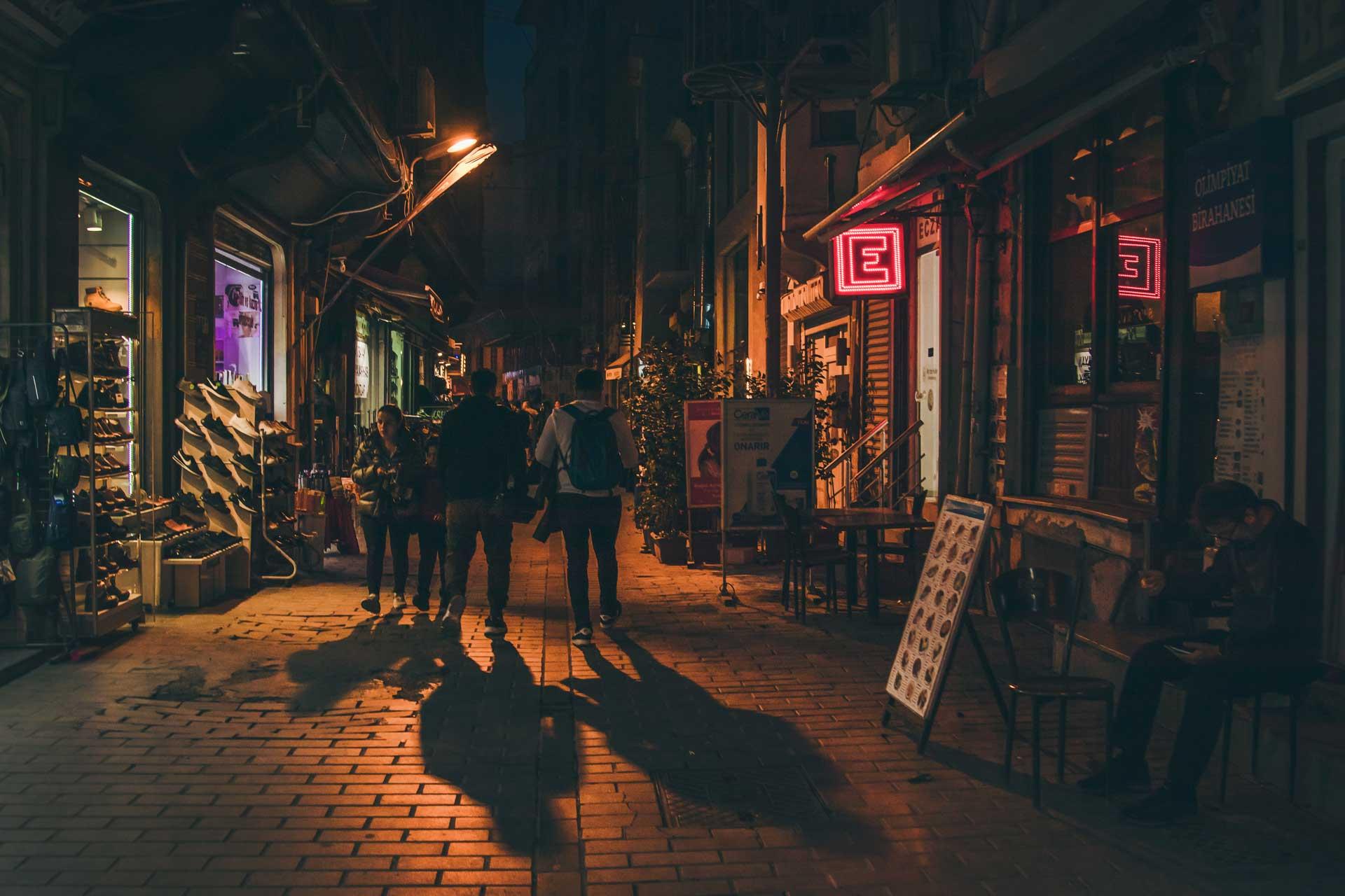 Karaköy Arka Sokakları fotoğrafları  İstanbul Fotoğrafları Çekergezer Hakan Aydın Fotoğrafları www.cekergezer.com