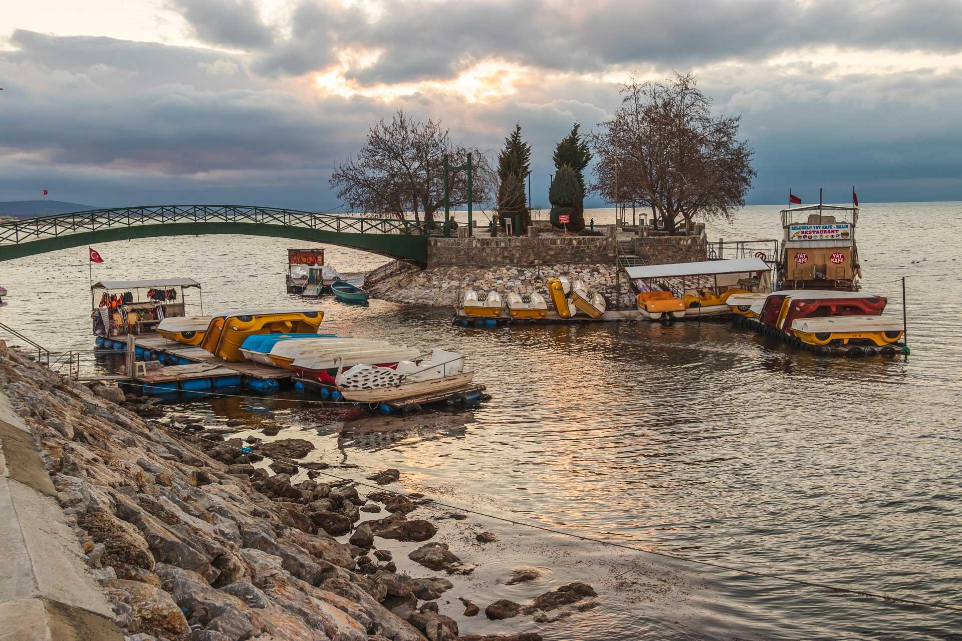 Beyşehir Fotoğrafları Merkez yürüme yolu Çekergezer Hakan Aydın Fotoğrafları
